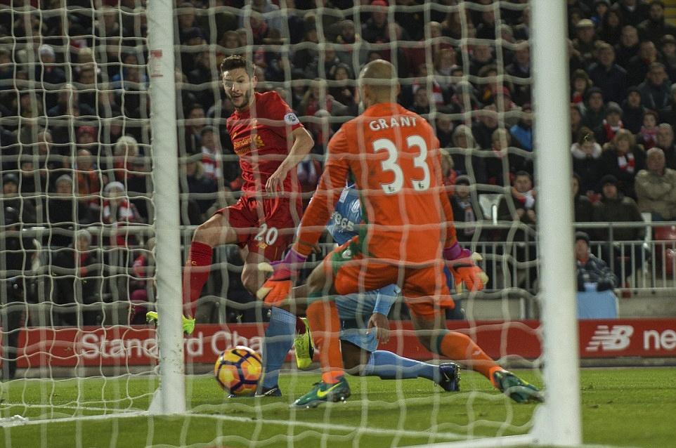 Liverpool nguoc dong thang dam Stoke City hinh anh 7