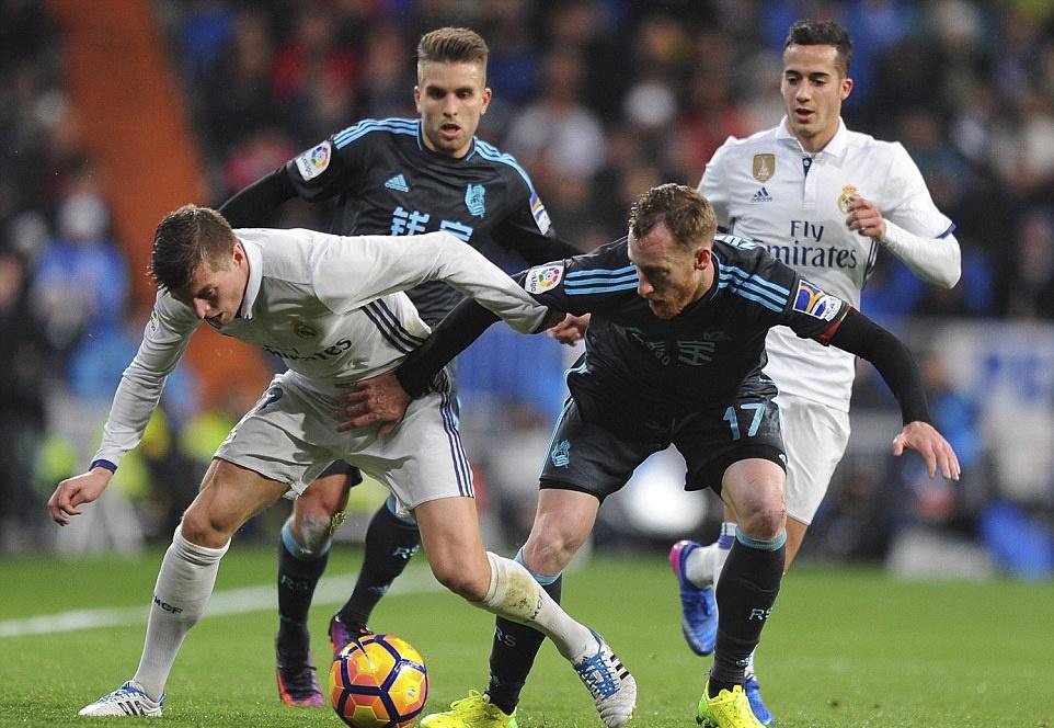Ronaldo lap cong va kien tao giup Real thang dam Sociedad hinh anh 7