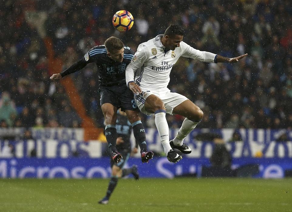 Ronaldo lap cong va kien tao giup Real thang dam Sociedad hinh anh 11