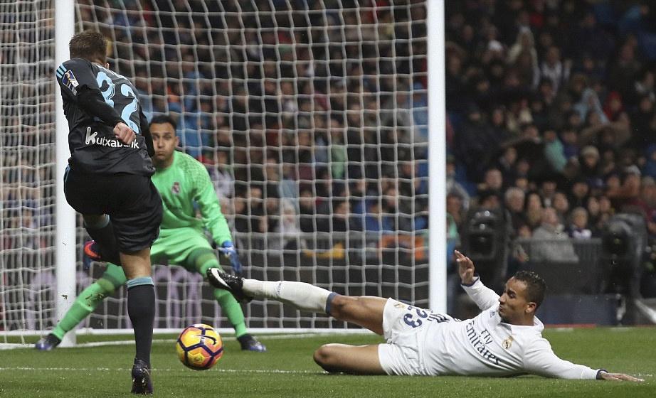 Ronaldo lap cong va kien tao giup Real thang dam Sociedad hinh anh 9