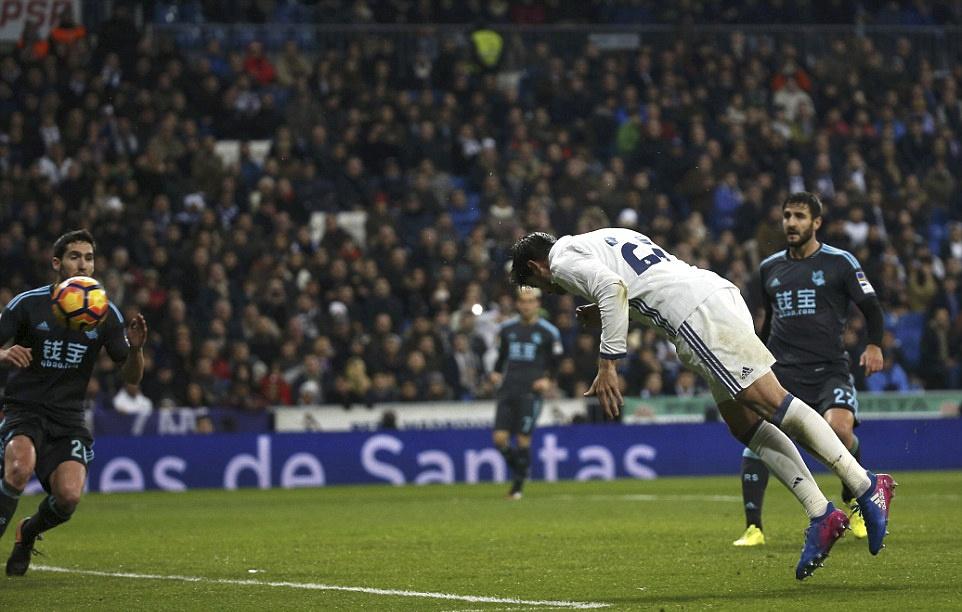 Ronaldo lap cong va kien tao giup Real thang dam Sociedad hinh anh 6