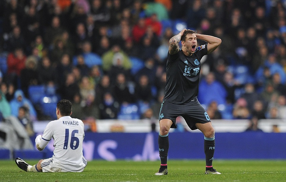 Ronaldo lap cong va kien tao giup Real thang dam Sociedad hinh anh 10