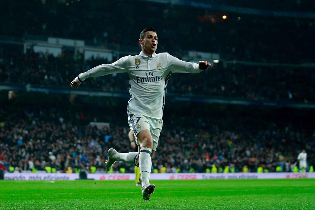 Ronaldo lap cong va kien tao giup Real thang dam Sociedad hinh anh 2