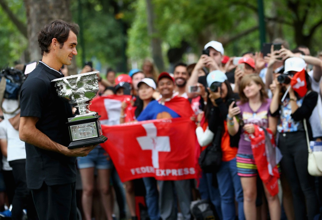 Federer va cup vo dich trong vong vay nguoi ham mo hinh anh 6