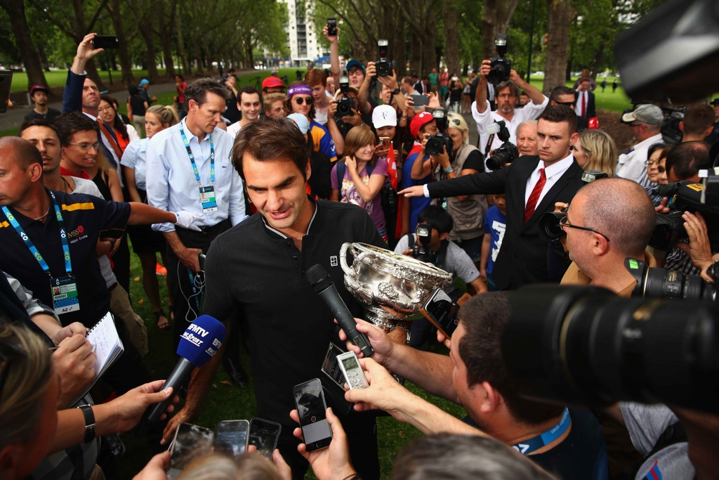 Federer va cup vo dich trong vong vay nguoi ham mo hinh anh 4