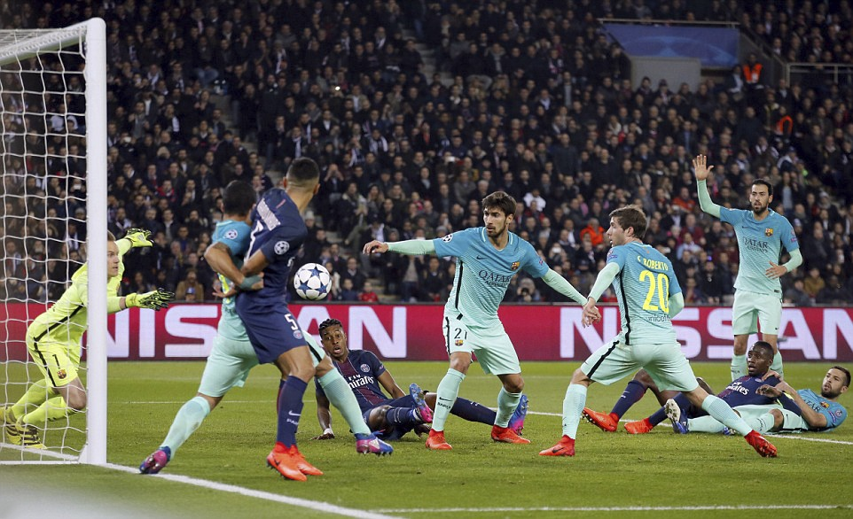 PSG huy diet Barca o Champions League anh 12