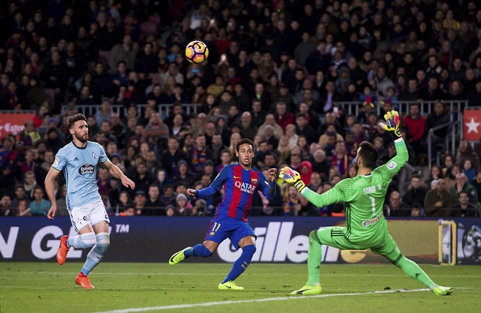 Messi lap cu dup ban thang anh 4