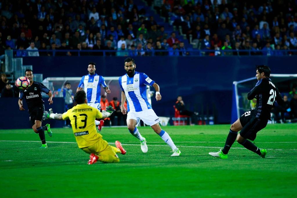 Morata lap hat-trick, Real chua cho Barca co hoi soan ngoi hinh anh 5