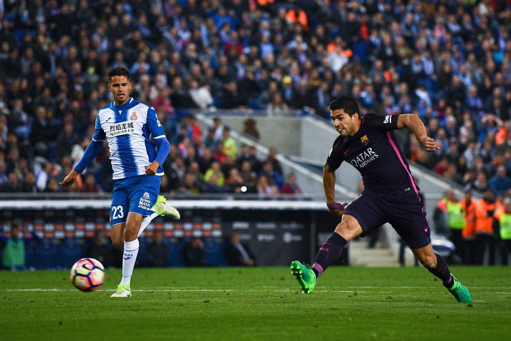 Luis Suarez lap cu dup, Barca giu vung ngoi dau hinh anh 2