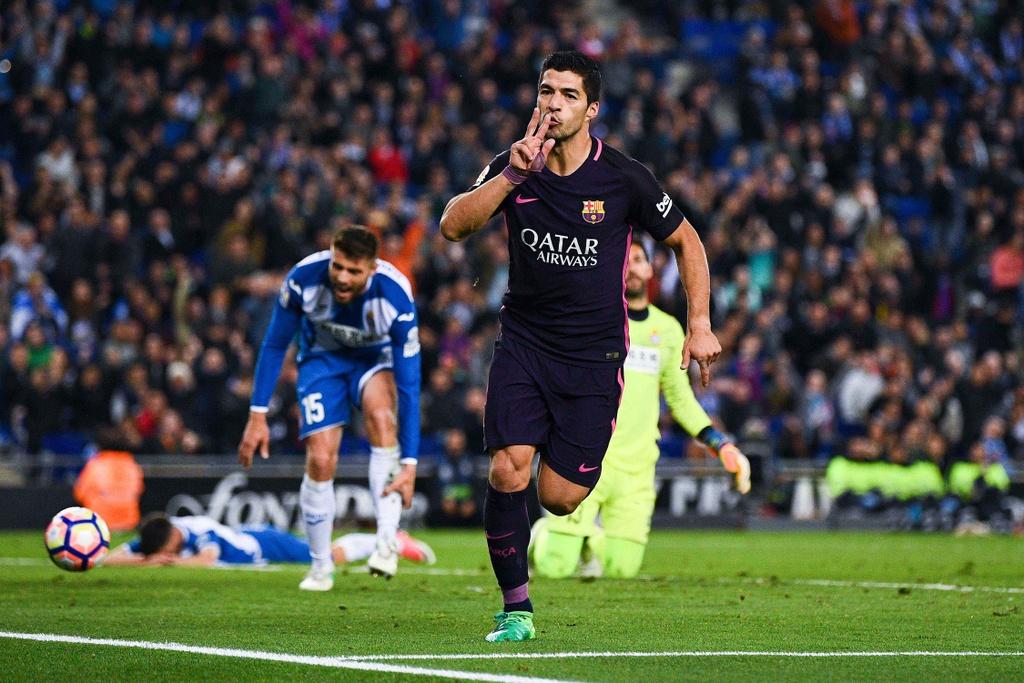 Luis Suarez lap cu dup, Barca giu vung ngoi dau hinh anh 3
