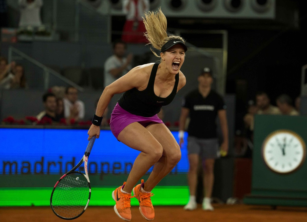 Sharapova that bai trong cuoc chien voi Bouchard hinh anh 6