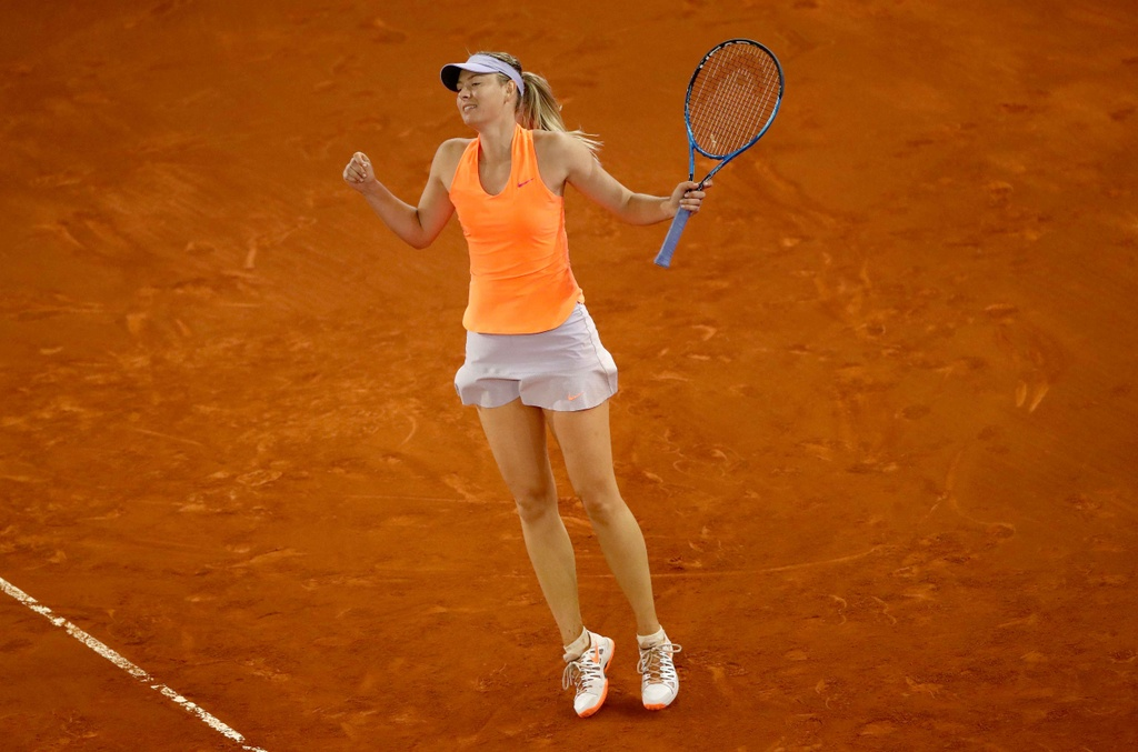 Sharapova that bai trong cuoc chien voi Bouchard hinh anh 5