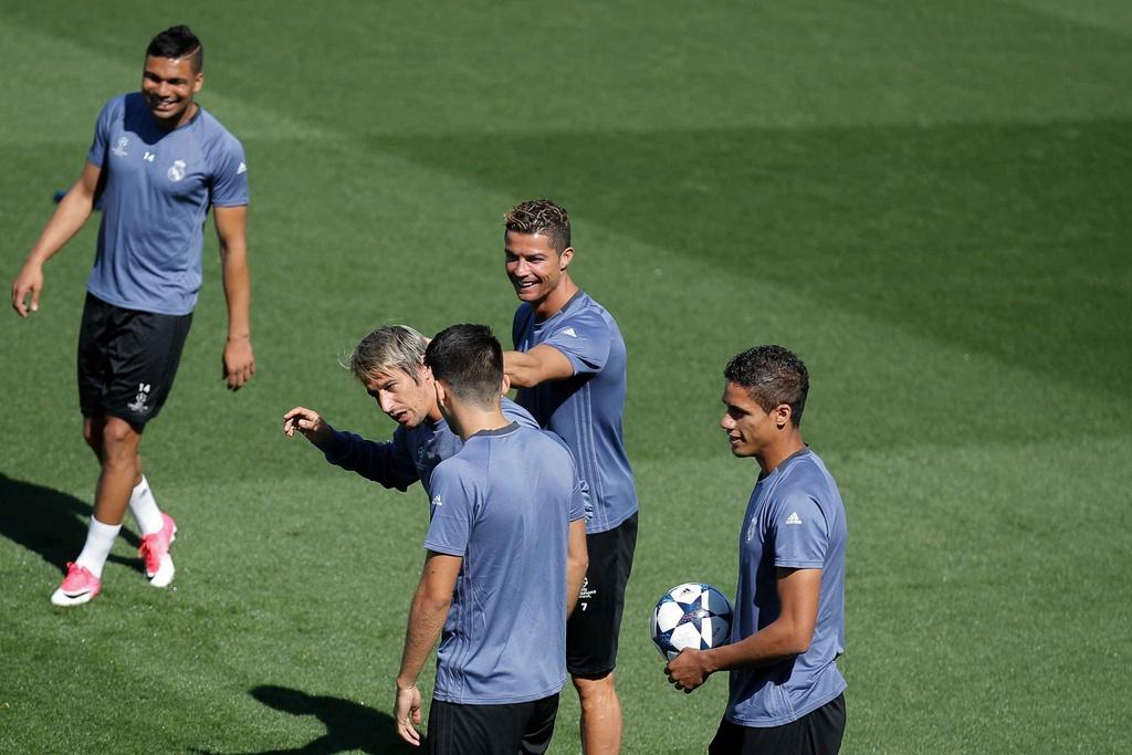 Ronaldo va dan sao Real sanh dieu truoc ban ket luot ve hinh anh 5
