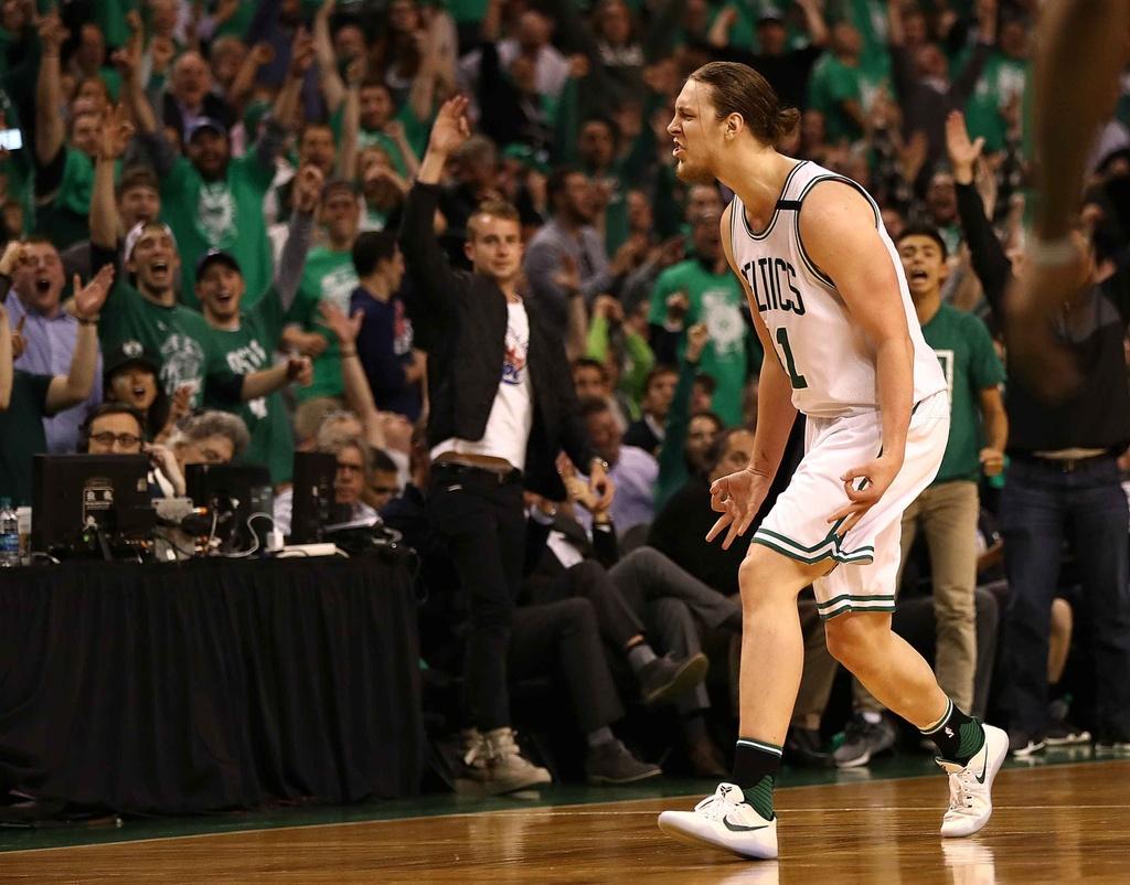 Kep phu bat ngo toa sang, Celtics vao chung ket mien Dong hinh anh 7