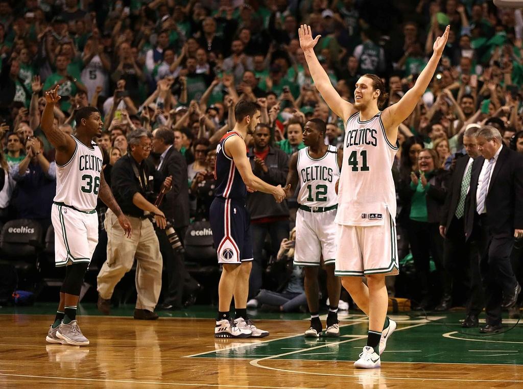 Kep phu bat ngo toa sang, Celtics vao chung ket mien Dong hinh anh 9