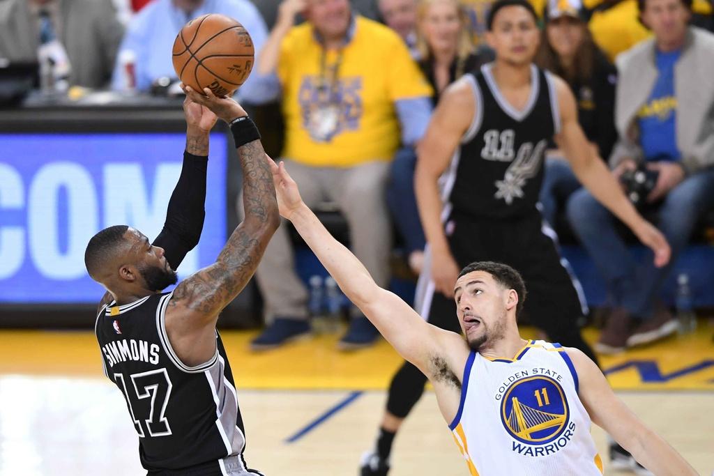 Thieu vang ngoi sao, Spurs bi Warriors de bep o game 2 hinh anh 6