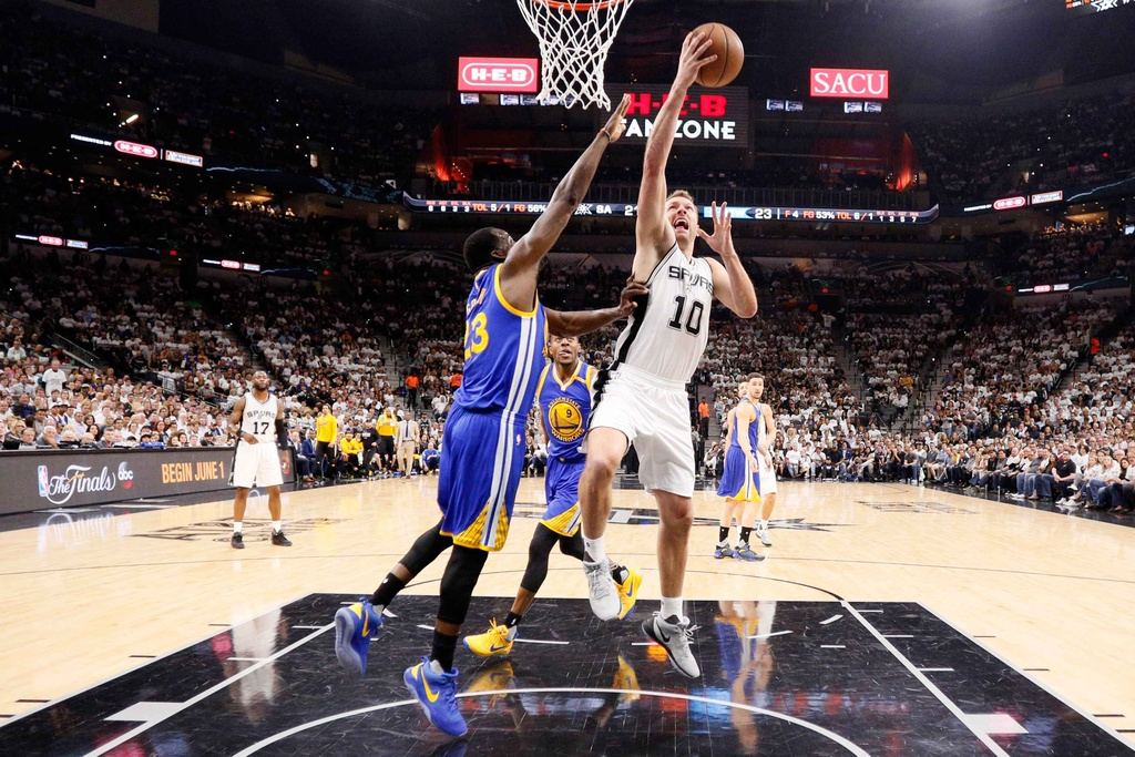 Golden State Warriors tien sat ve du chung ket NBA hinh anh 8