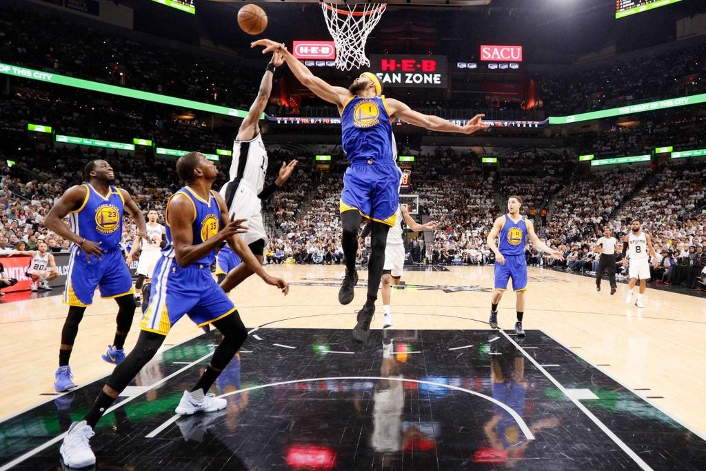 Golden State Warriors tien sat ve du chung ket NBA hinh anh 13