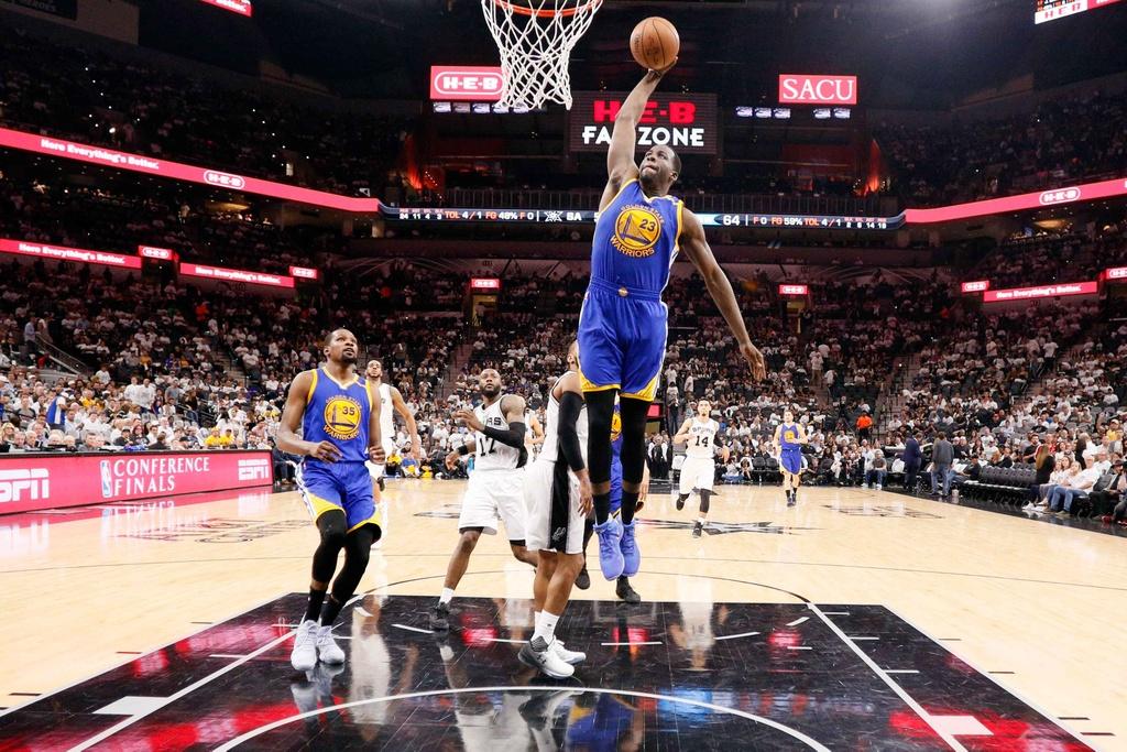 Golden State Warriors tien sat ve du chung ket NBA hinh anh 12