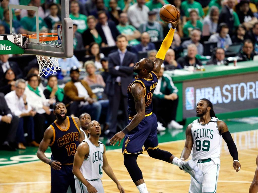 King James pha ky luc cua Michael Jordan dua Cavaliers vao chung ket hinh anh 2