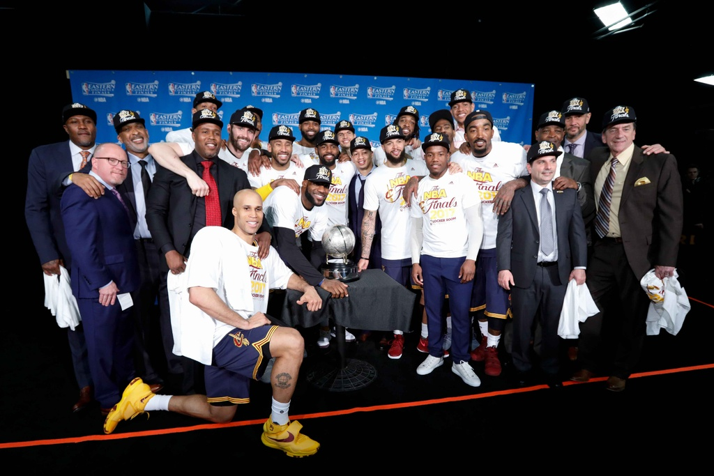 King James pha ky luc cua Michael Jordan dua Cavaliers vao chung ket hinh anh 15