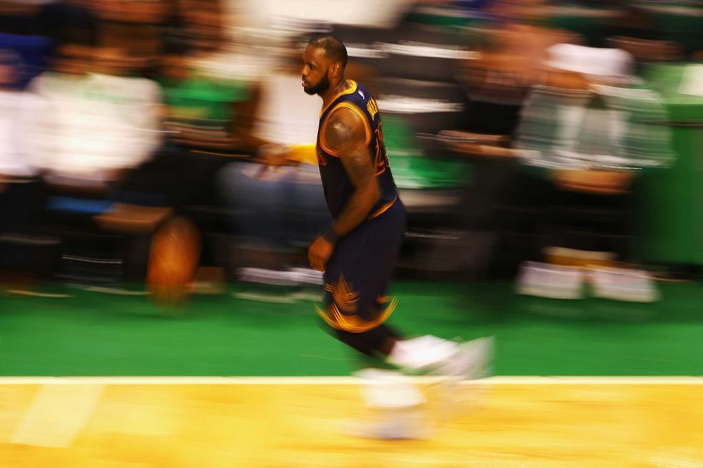 King James pha ky luc cua Michael Jordan dua Cavaliers vao chung ket hinh anh 1