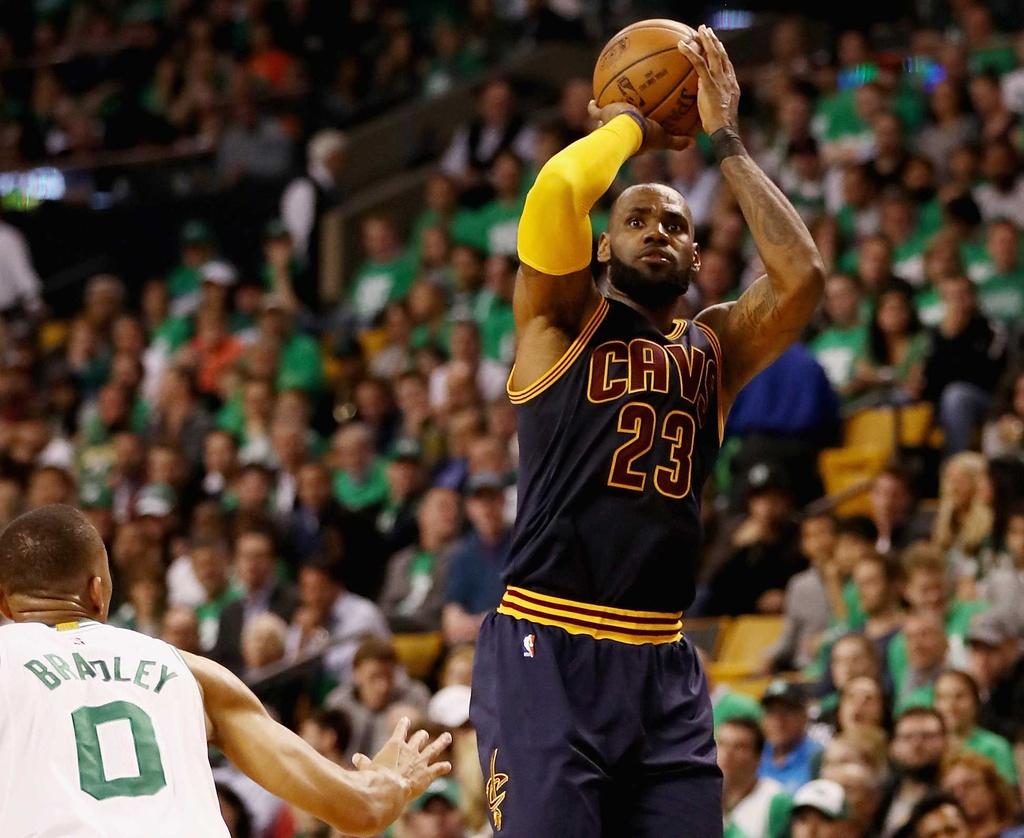 King James pha ky luc cua Michael Jordan dua Cavaliers vao chung ket hinh anh 3