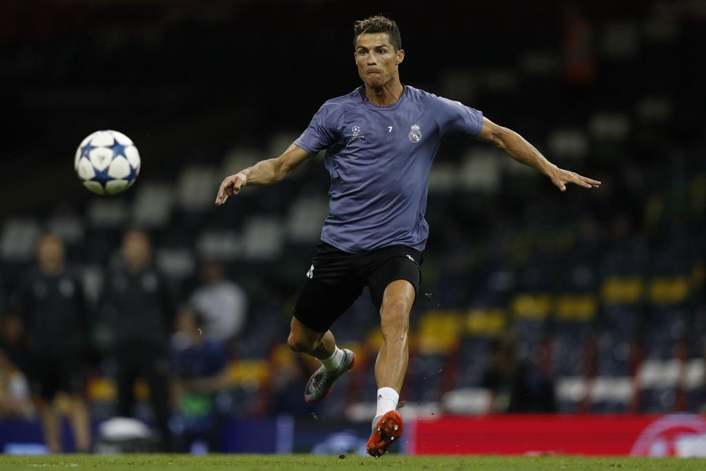 Ronaldo luyen dut diem truoc chung ket Champions League hinh anh 6