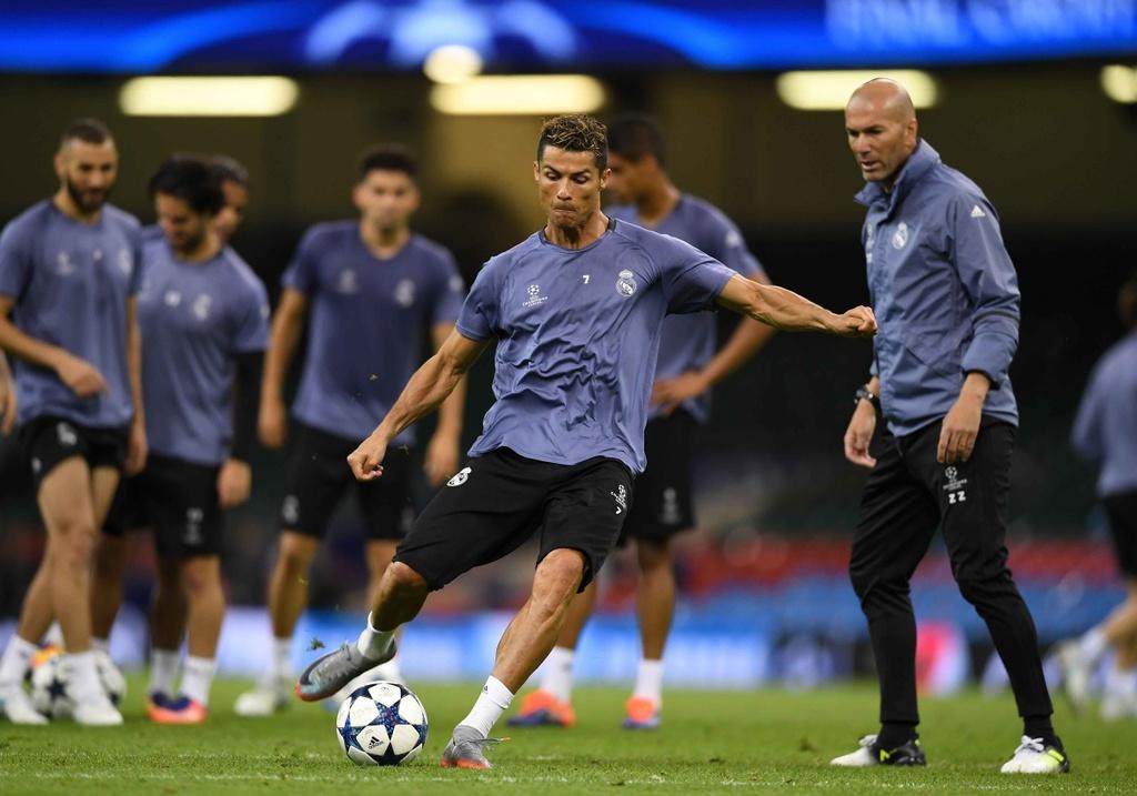 Ronaldo luyen dut diem truoc chung ket Champions League hinh anh 5