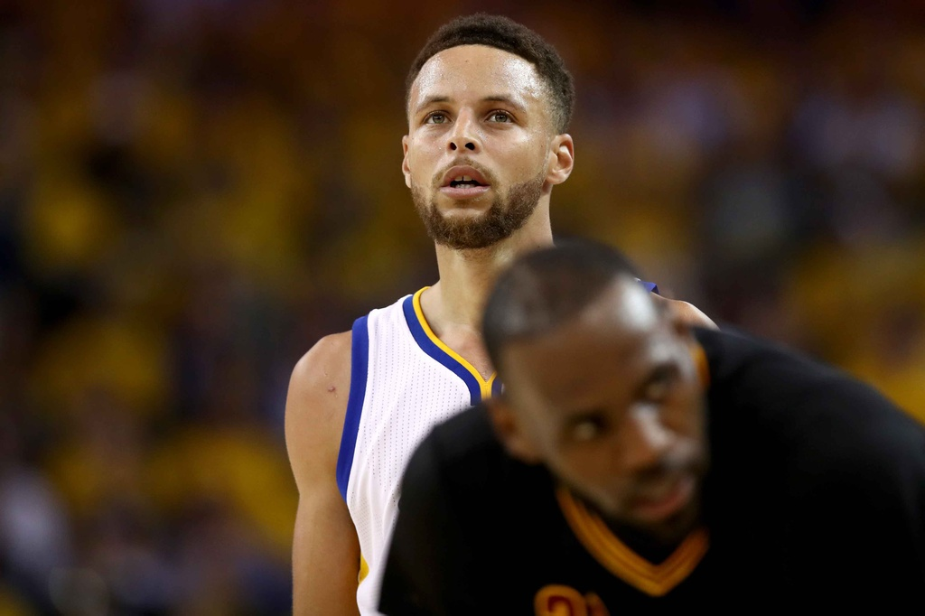 Curry, Durant toa sang, Warriors dan Cavaliers 2-0 hinh anh 13
