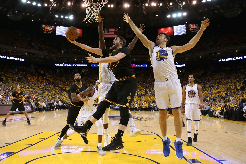 Curry, Durant toa sang, Warriors dan Cavaliers 2-0 hinh anh 10