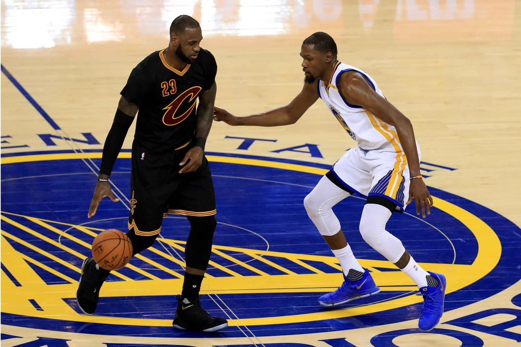 Curry, Durant toa sang, Warriors dan Cavaliers 2-0 hinh anh 12