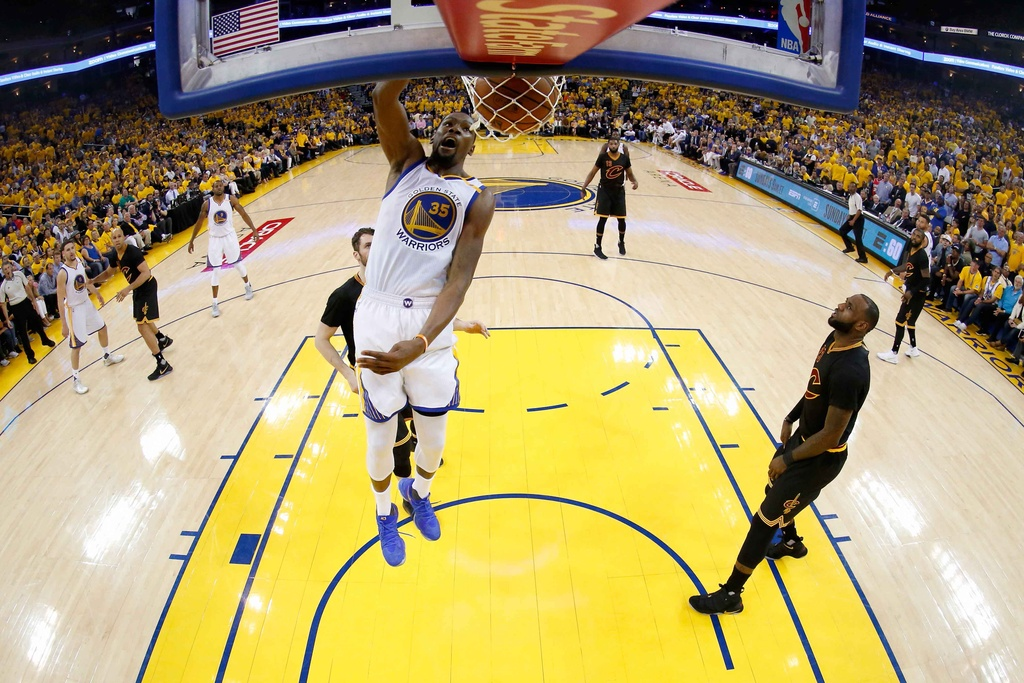 Curry, Durant toa sang, Warriors dan Cavaliers 2-0 hinh anh 5