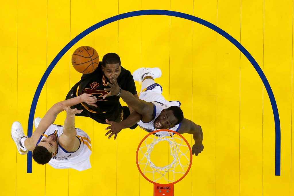 Curry, Durant toa sang, Warriors dan Cavaliers 2-0 hinh anh 9