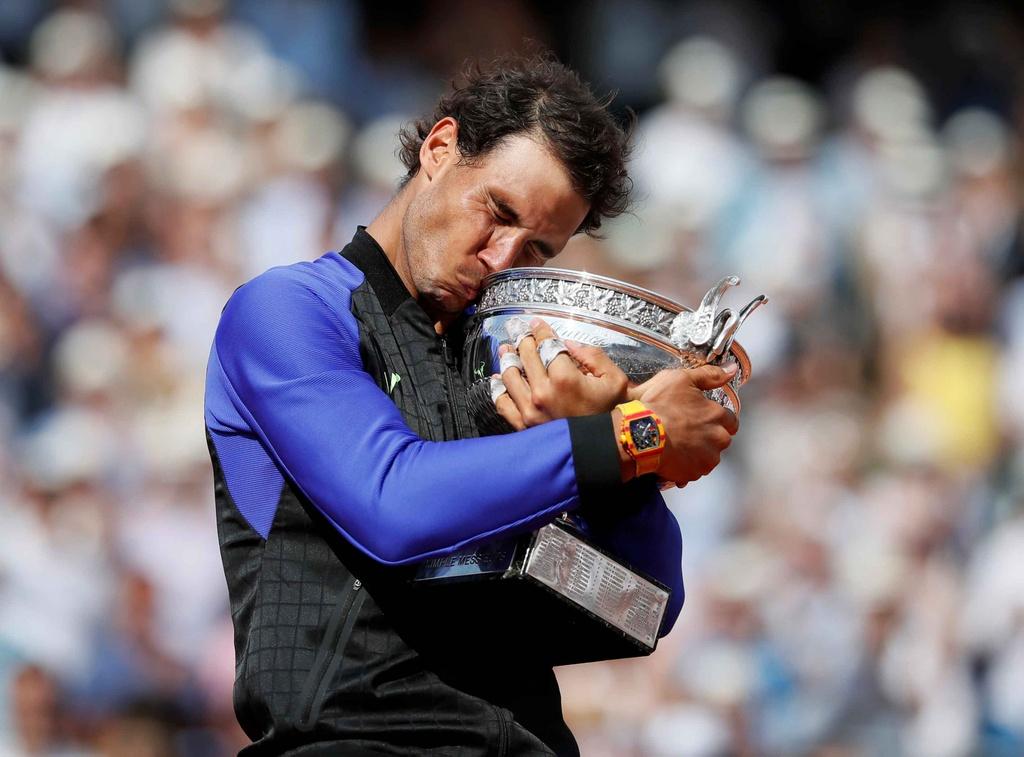 Nadal rom nuoc mat khi hoan tat giac mo La Decima hinh anh 8