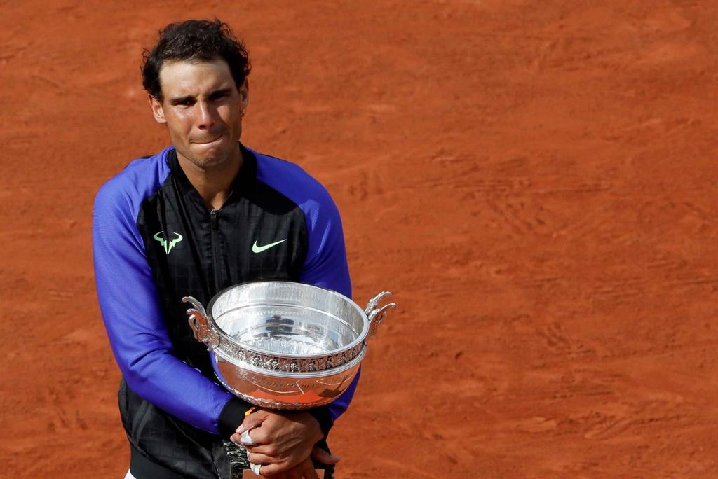 Nadal rom nuoc mat khi hoan tat giac mo La Decima hinh anh 6