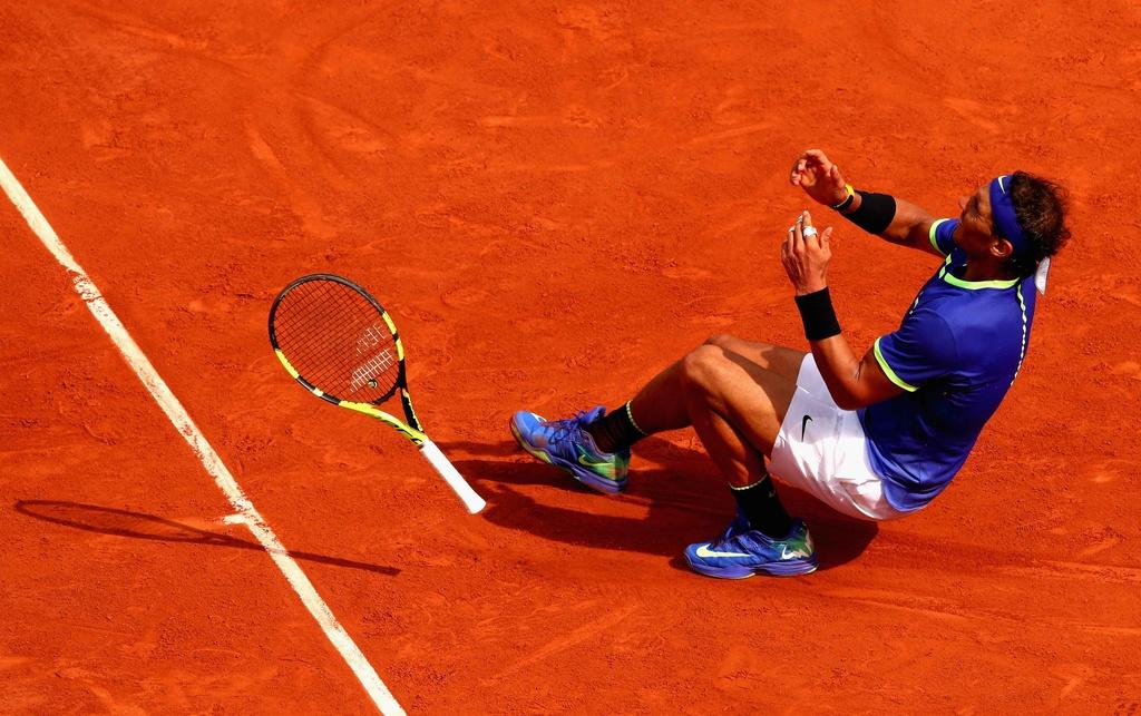 Nadal rom nuoc mat khi hoan tat giac mo La Decima hinh anh 1