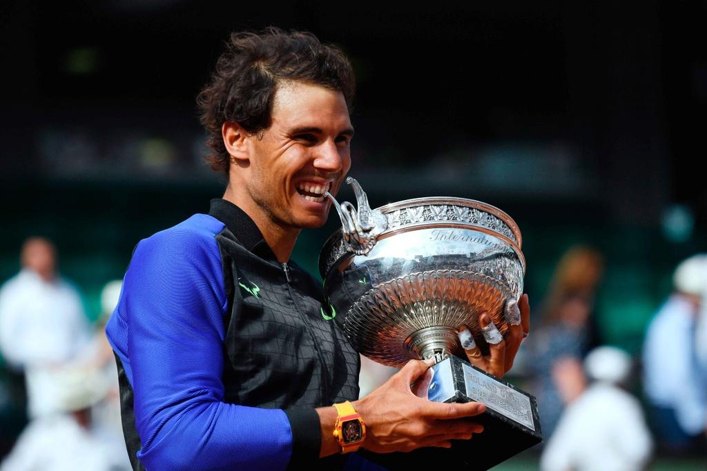 Nadal rom nuoc mat khi hoan tat giac mo La Decima hinh anh 10