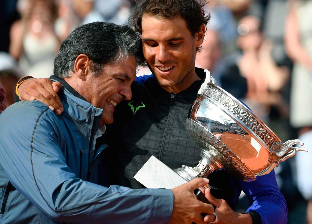 Nadal rom nuoc mat khi hoan tat giac mo La Decima hinh anh 9