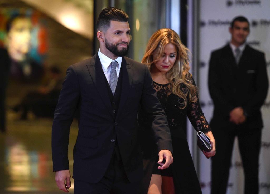 Messi hanh phuc khoa moi Antonella anh 9