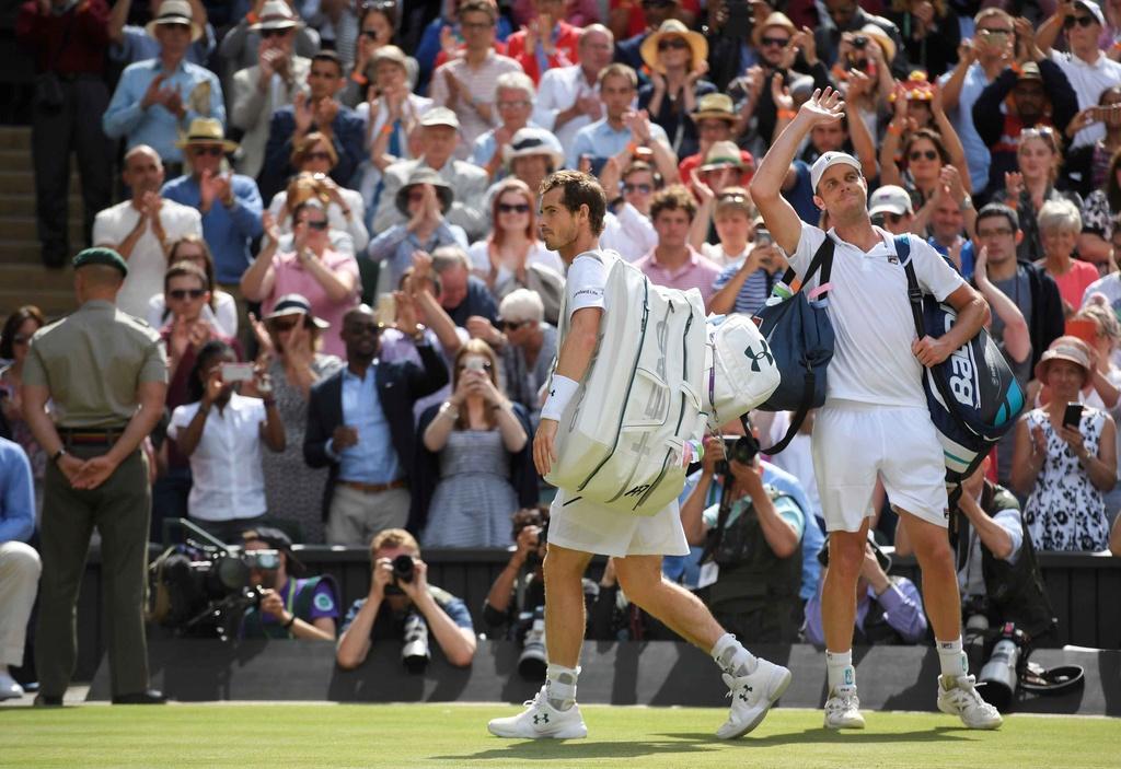 Murray chia tay Wimbledon anh 15