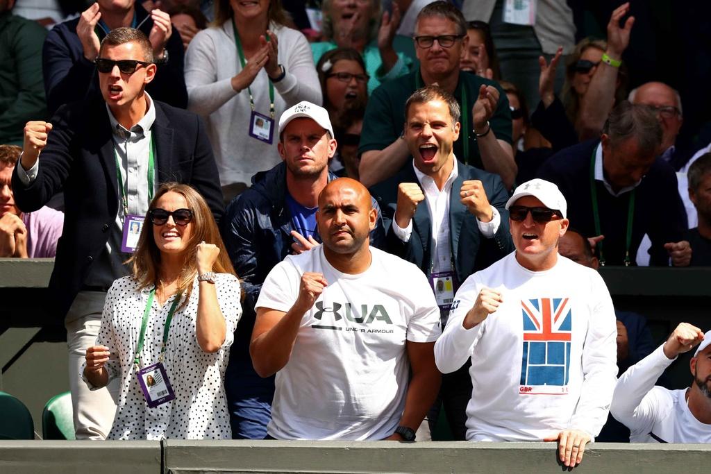 Murray chia tay Wimbledon anh 3