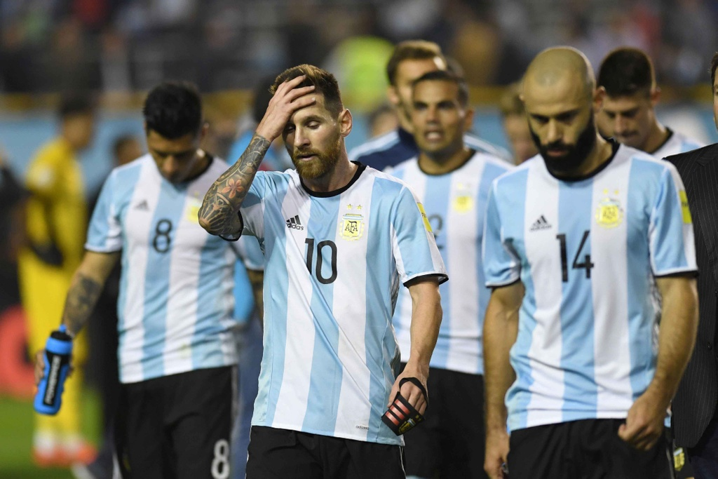 Messi om dau tiec nuoi truoc nguy co ngoi nha xem World Cup hinh anh 2