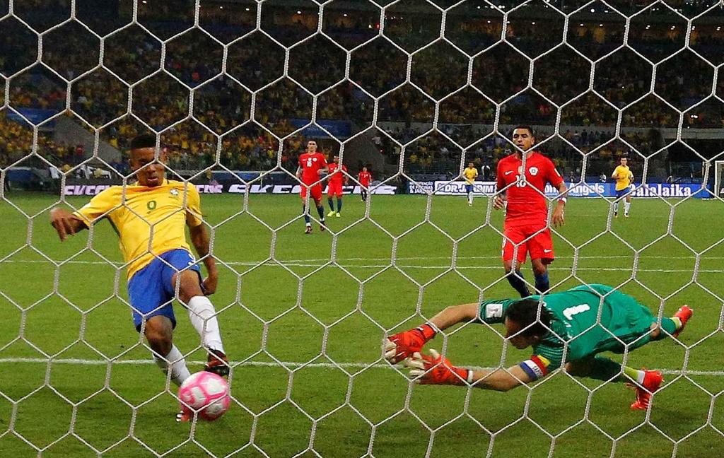 Thua dam Brazil, duong kim vo dich Nam My mat ve du World Cup hinh anh 5