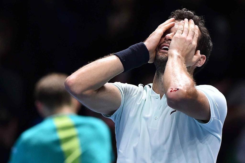 'Tieu Federer' guc xuong hanh phuc mung danh hieu lon nhat su nghiep hinh anh 9