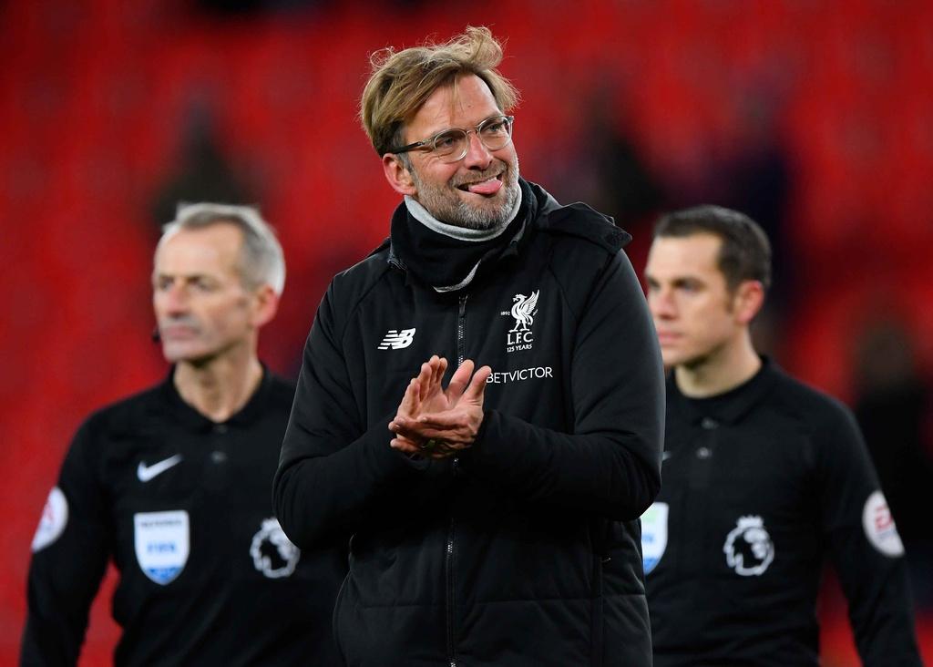 Salah lap cu dup, Liverpool thang dam Stoke de ap sat top 4 hinh anh 8