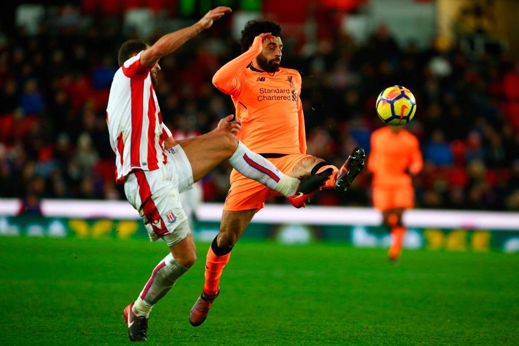 Salah lap cu dup, Liverpool thang dam Stoke de ap sat top 4 hinh anh 2