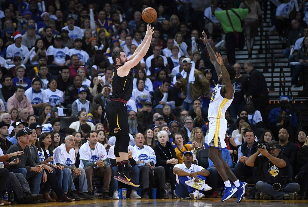 Cavaliers that bai truoc Warriors vang Curry anh 8