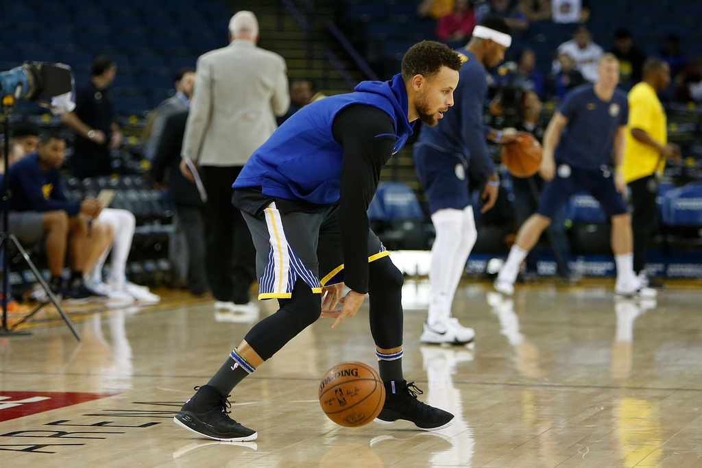 Cavaliers that bai truoc Warriors vang Curry anh 1