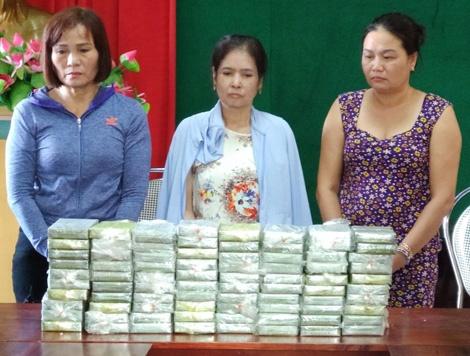 Hanh trinh boc go bang 'nu quai' van chuyen 80 banh heroin hinh anh 2